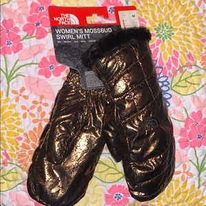NWT THE NORTH FACE COPPER/BLACK METALLIC MITTENS